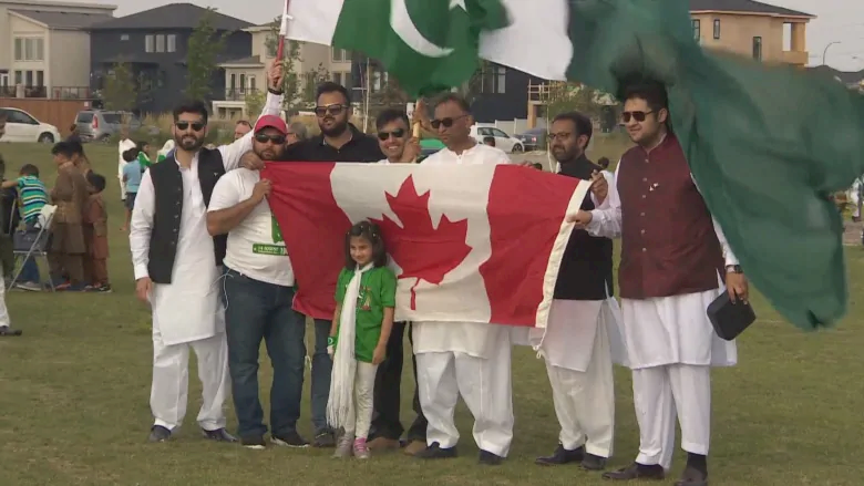 immigrate to canada from pakistan
